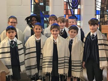 Year 4 Visit the Norwich Hebrew Congregation Synagogue